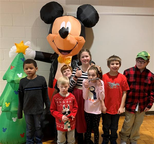 "Students ""rock around the Christmas Tree"""