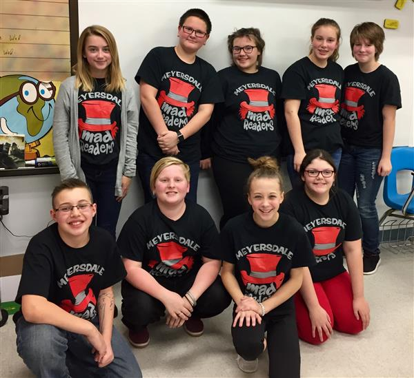 Middle School students attend Reading Team Competition