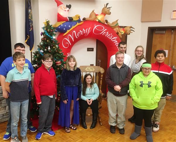 Students enjoy annual Christmas party